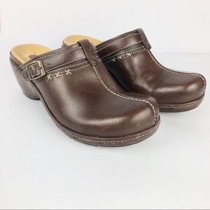 CLARKS Brown Leather Clogs Mules 9 Medium